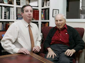 Archivist Mitch Yockelson (left) poses with Frank Buckles shortly after the WWI veteran's 107th birthday.