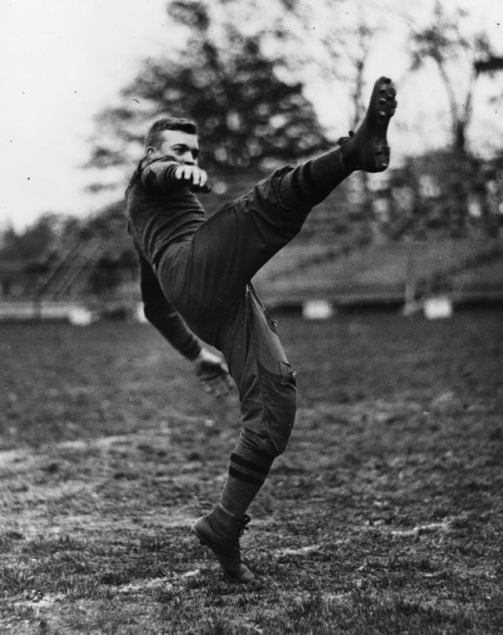 4_DDE_Football-kick-off-West-Point-1912