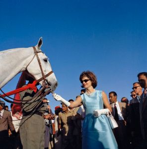First Lady Jacqueline Kennedy Feeds Horse in India, 19 March 1962. (John F. Kennedy Presidential Library and Museum, National Archives)