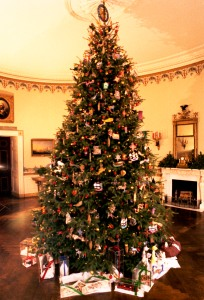 The Christmas tree decorated by Tim Gunn's students (Carter Presidential Library and Museum)