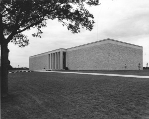 Photograph of Eisenhower Library Abilene, Kansas, ca. 1962. (National Archives Identifier 12170294 )