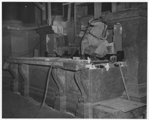 Progress on installing the vault in the Exhibition Hall, November 7, 1952. (National Archives Identifier 12167771)
